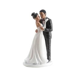 Couple mariés noirs enlacés