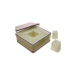 Découpoirs carrés cannelés (série de 9)