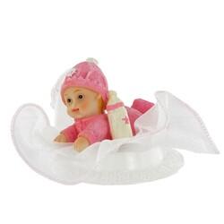 Bébé fille couché tulle