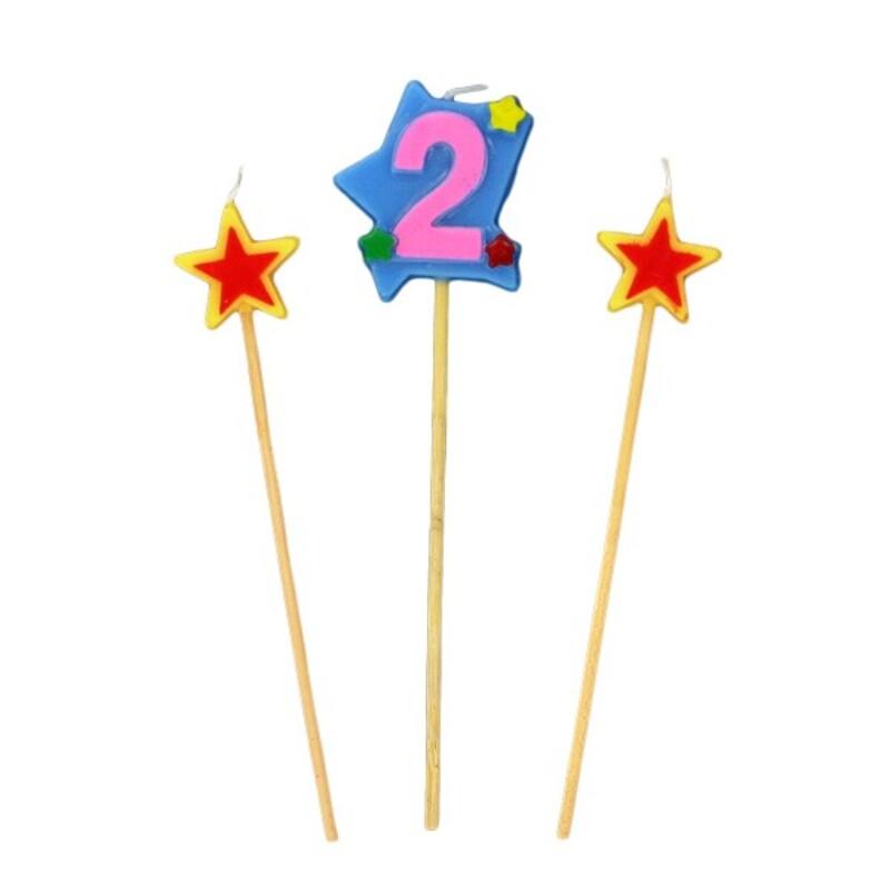 Bougies chiffre 2 et étoiles Gatodéco