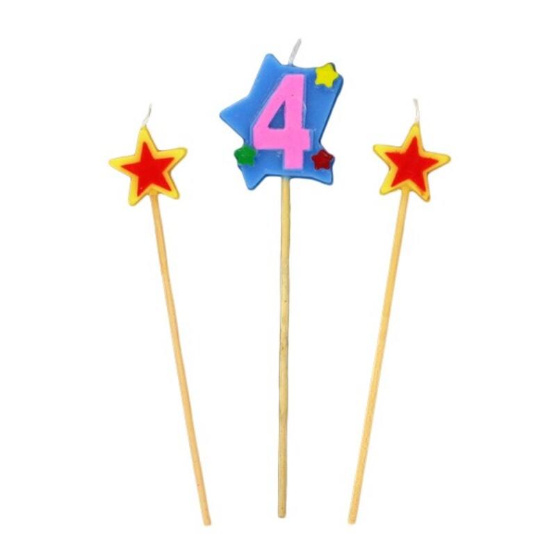 Bougies chiffre 4 et étoiles Gatodéco