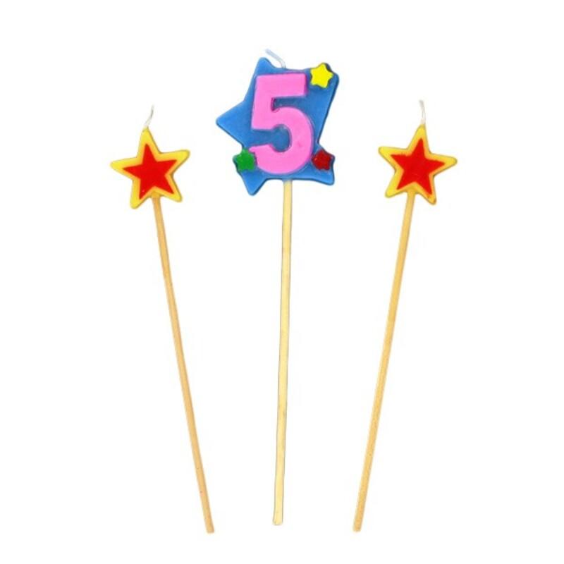 Bougies chiffre 5 et étoiles Gatodéco